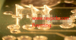 Wave soldering solder touch phenomenon